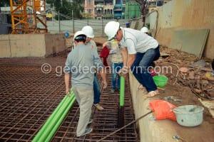 Lắp đặt ống vách đo chuyển vị ngang tường vây inclinometer casing
