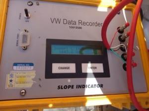 Máy đọc thiết bị dây rung VW Data Recorder