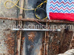 Thiết bị đo biến dạng khe hở tấm bê tông bị hỏng