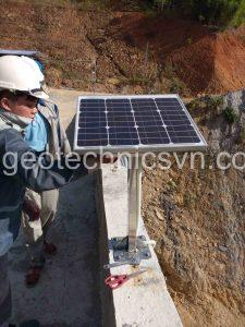Lắp đặt pin mặt trời cấp nguồn cho Datalogger