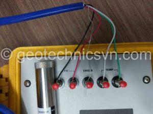 Kiểm tra thiết bị quan trắc thấm Piezometer 4500S bằng máy đọc