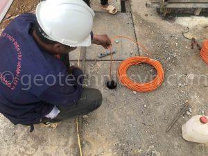 Lắp đặt thiết bị quan trắc thấm VW Piezometer