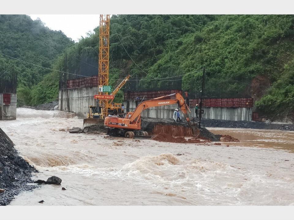 Công trường xây dựng thuỷ điện Huổi Chan 1